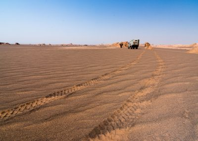 Lut Desert - Unimog