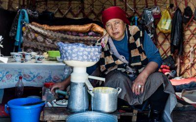 Song Kol – Nomaden, Jurten und magische Landschaft