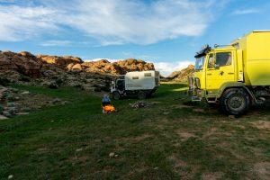 Baga Gazriin Chuluu – Camping